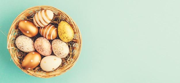 Ostern flache lage der eier im nest