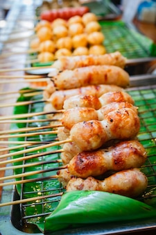Ostwurst gegrillt werden, thai-food-stil.
