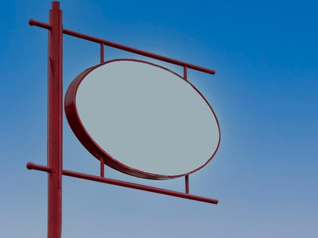 Oval geformte tafel für werbung