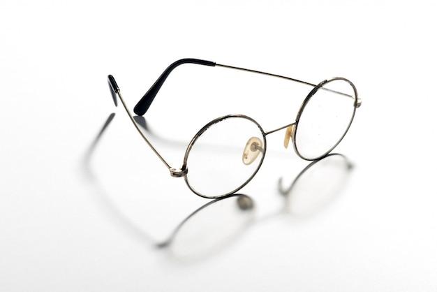 Paar klassische runde vintage-brillen