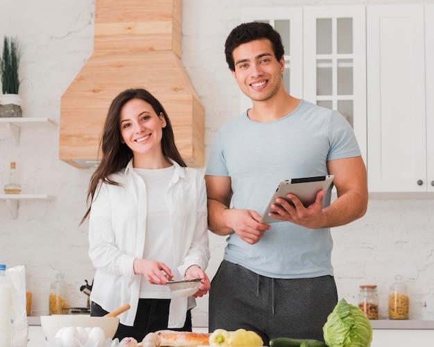 Paar lernen rezepte aus online-kursen