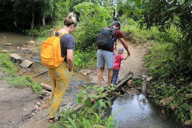 Paar-trekking in chiang mai thailand