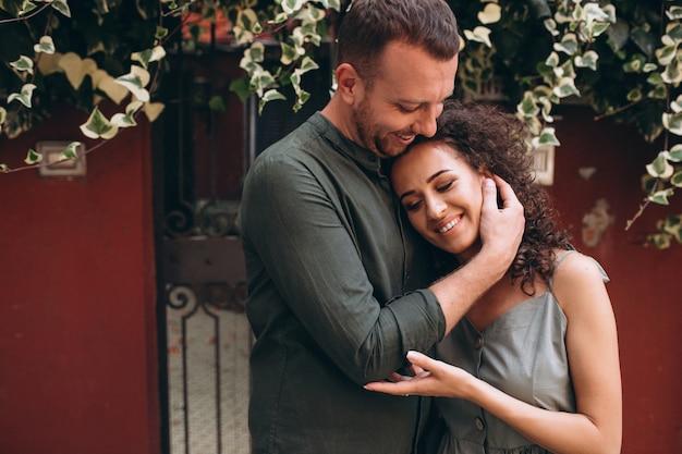 Paare auf flitterwochen in venedig