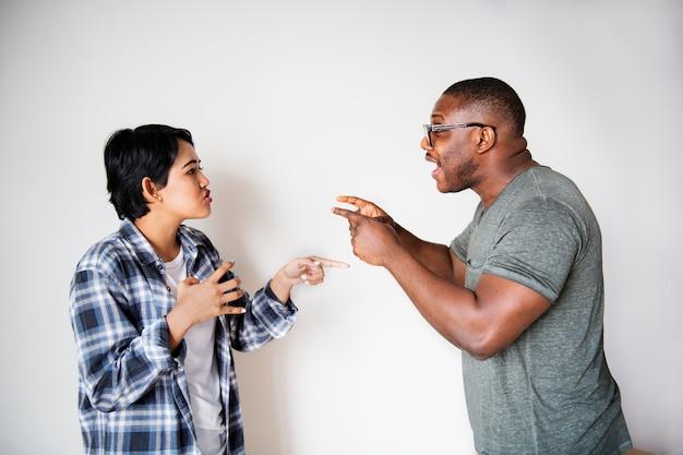 Paare, die ein argument haben
