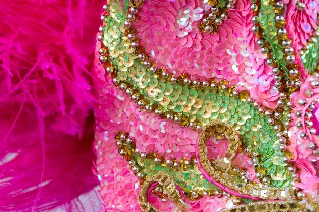 Paillettenstickerei mit farben und glitzer für den karneval