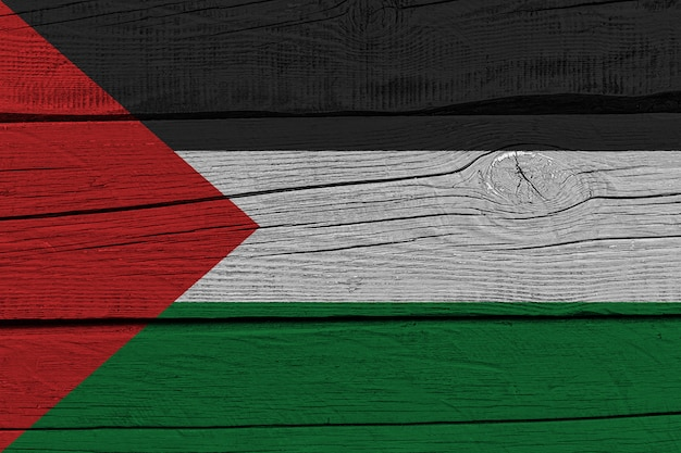 Palästina-flagge auf altem holzbrett gemalt