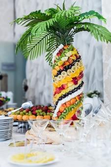 Palme exotische früchte
