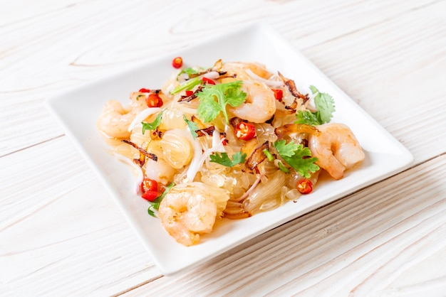 Pamelo würziger salat mit garnelen oder garnelen