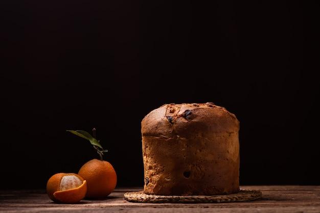 Panettone gebackener traditioneller italienischer weihnachtskuchen hautnah