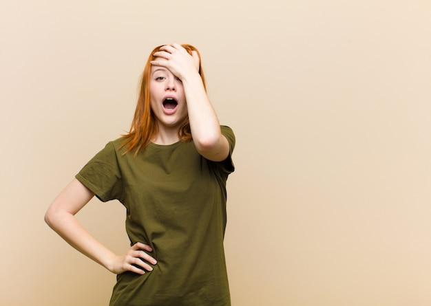 Panik über eine vergessene frist, sich gestresst fühlen, ein durcheinander oder einen fehler vertuschen müssen