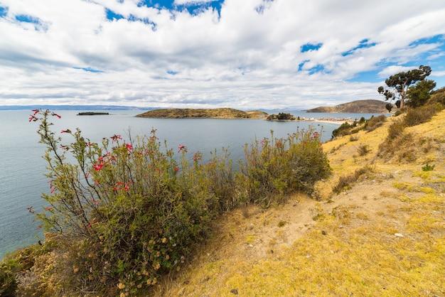 Panorama auf der insel der sonne, titicaca see, bolivien