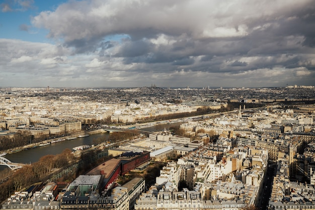 Panorama von paris, frankreich vom eiffelturm genommen.