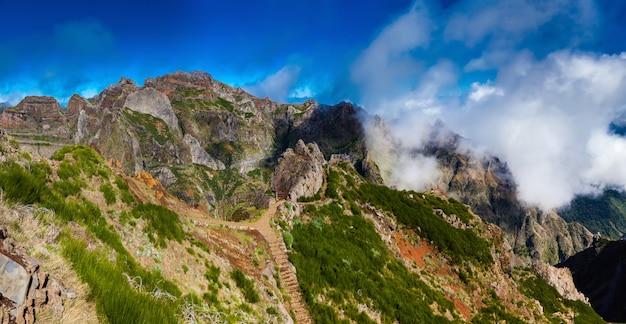 Panoramablick auf die landschaft von pico do arieiro