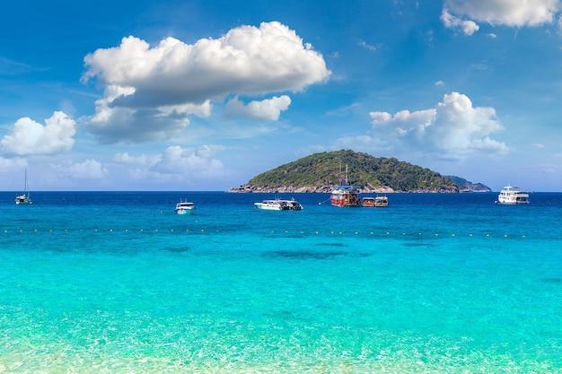 Panoramablick auf die similan-inseln, thailand