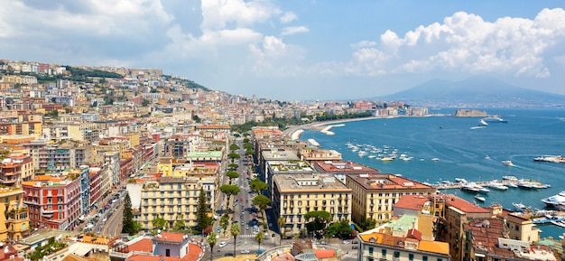 Panoramablick auf neapel von posillipo