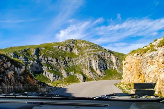 Panoramastraße in den bergen von montenegro