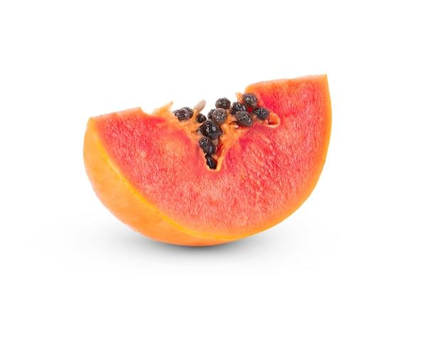 Papaya-frucht lokalisiert auf weißem hintergrund