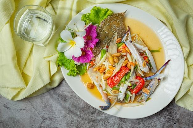 Papayasalat papaya blue crab frisches thailändisches essen.