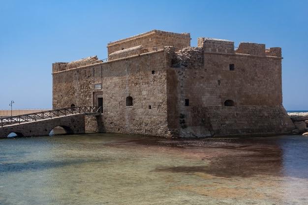 Paphos, zypern, griechenland - 22. juli: alte festung in paphos zypern am 22. juli.