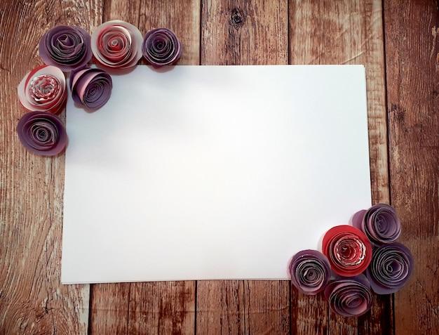 Papier mit rahmen aus flieder