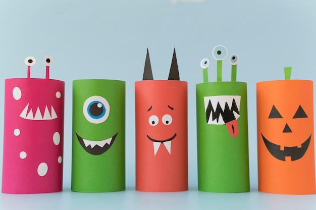 Papierdekorationen für die halloween-sammlung