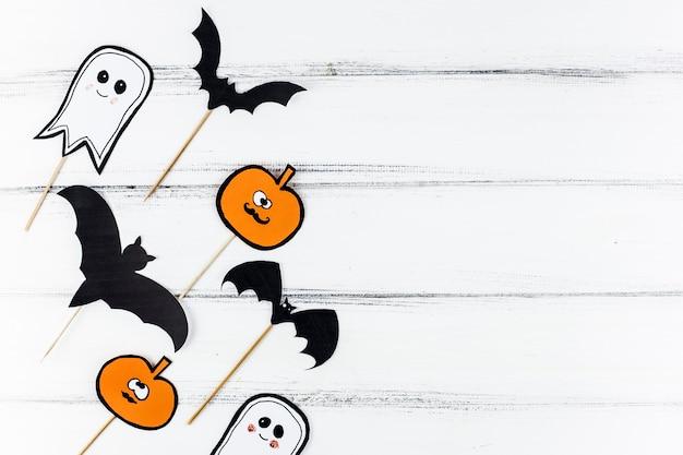 Papierdekorationen für halloween