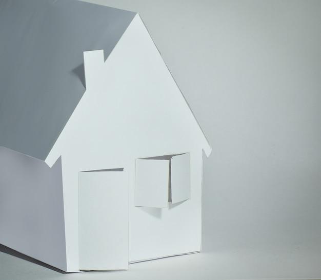 Papierhaus papier das konzept einer hypothek