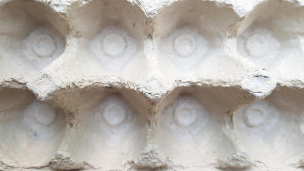 Papierschalen leeren eierbehälter. nahaufnahme, ansicht von oben.
