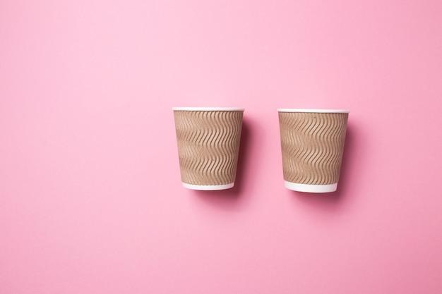 Pappbecher für heißen kaffee oder tee