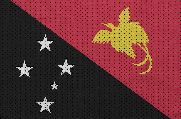 Papua-neuguinea-flagge auf sportbekleidung aus polyester-nylon gedruckt