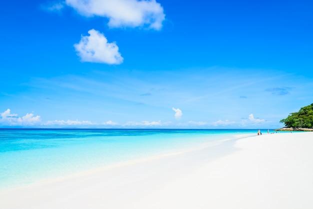 Paradies mit weißem sand