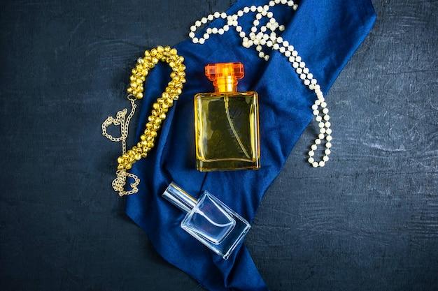 Parfüm und parfümflaschen