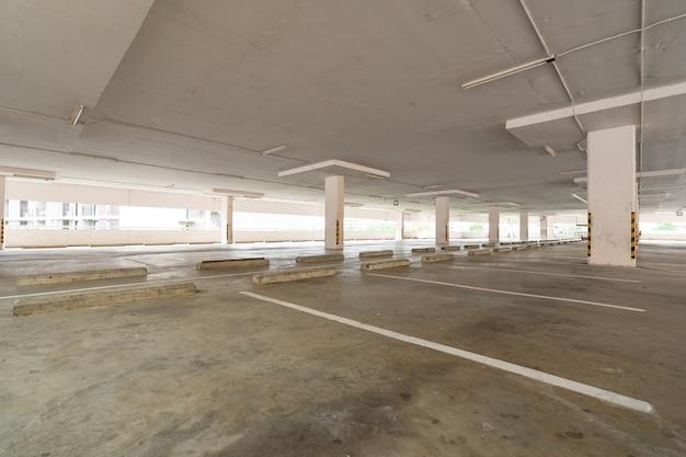 Parkhaus kaufhaus innenraum leerer parkplatz oder garageninnenraum geschäftsgebäude büro