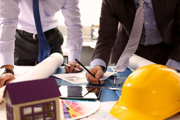 Partnerschaft zwischen ingenieur oder architekturprojekt