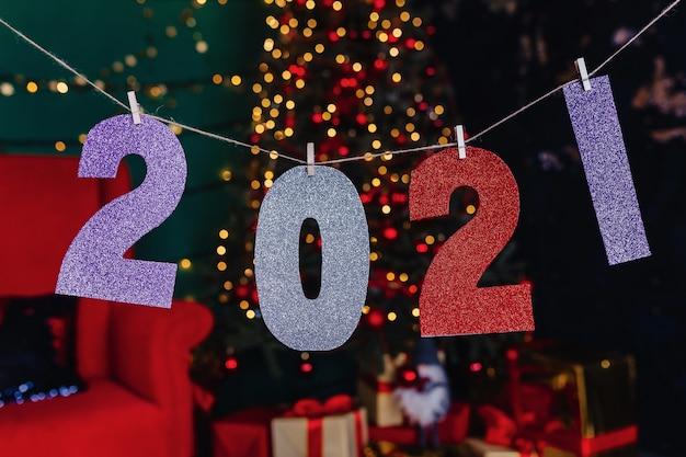 Party des neuen jahres 2021 zahlen, weihnachtsbaum