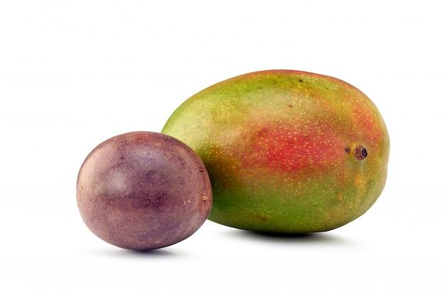 Passionsfrüchte und mango