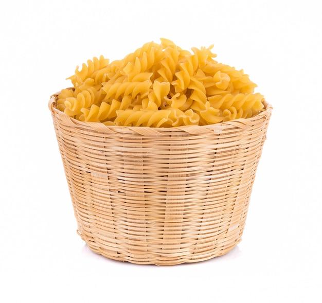 Pasta isoliert auf weißem hintergrund
