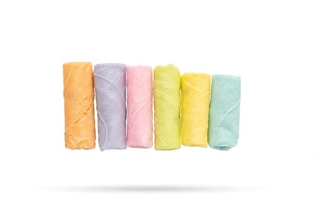 Pastellfarbe thong muan snack thai-essen auf weißem hintergrund isoliert