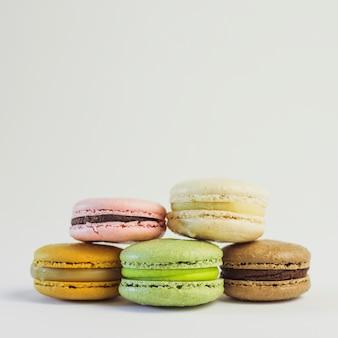 Pastellfarben-macaron-turm