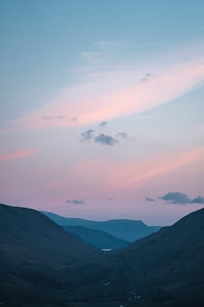 Pastellhimmel am loughrigg fell, dem lake district in england