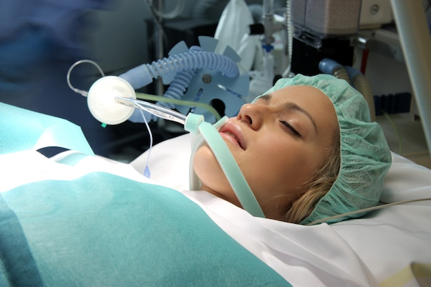 Patient in einem operationssaal
