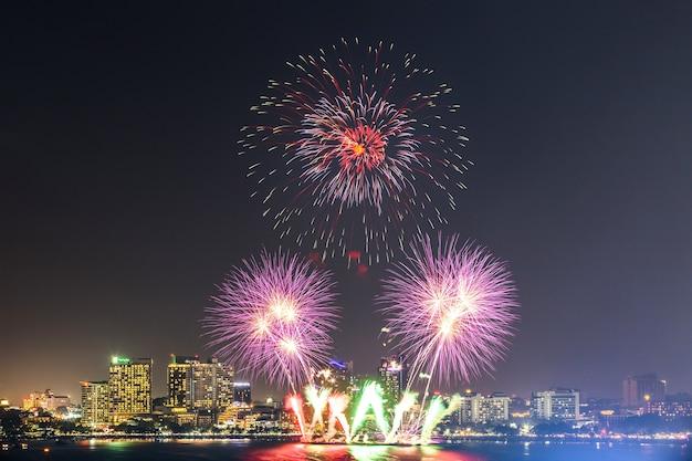 Pattaya internationales feuerwerk