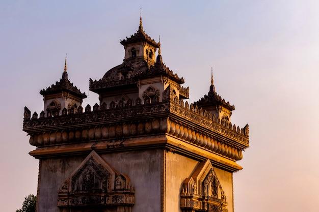 Patuxay denkmal wahrzeichen bogen und kriegsdenkmal in vientiane, laos,