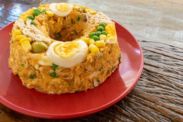 Paulista couscous mit hühnchen- und maismehl