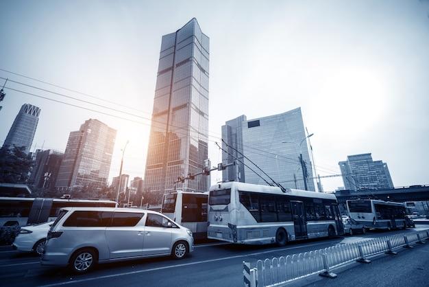 Pekinger straße und auto