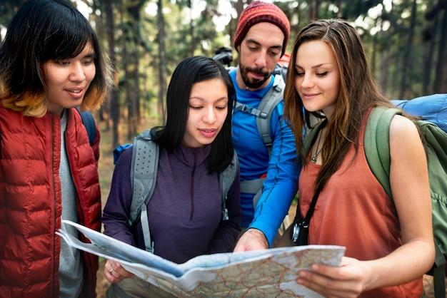 People friendship hangout reisen ziel camping