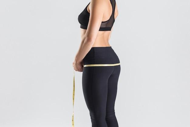 Perfekter sportlicher arsch. konzept zur gewichtsabnahme. innenaufnahme