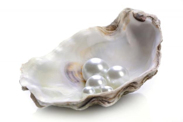 Perlen isoliert