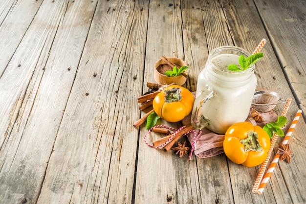 Persimone smoothie mit gewürzen