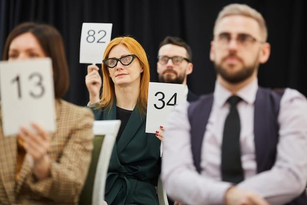 Personengruppe bei auktion